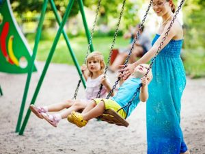 bench-free-parks-for-active-parents-300x225